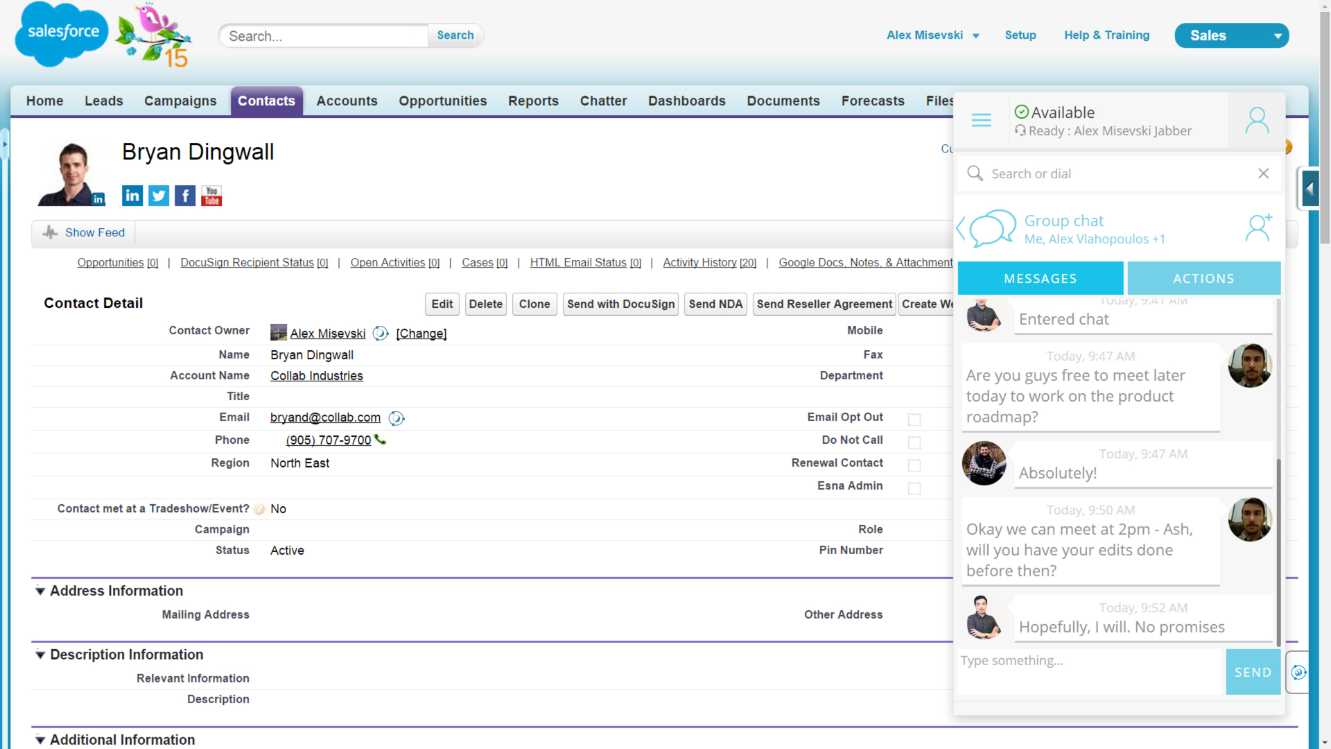 Guy chatting 1-on-1 with entire team in salesforce using cisco jabber